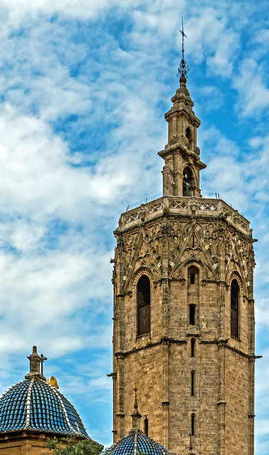 El Micalet (Bell Tower - Valencia Cathedral) (Panasonic Lumix LX15 Compact)