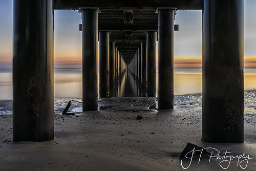 urangan pier jetty dawn sunrise herveybay queensland nikond750 longexposure coastal