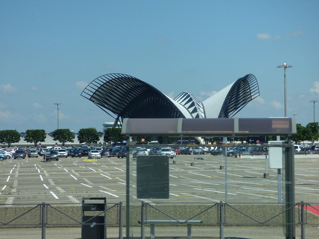 Lyon–Saint-Exupéry Airport - Gare de Lyon Saint-Exupéry
