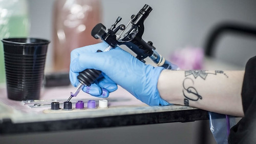 @DonJohnstonLC : goodhealth: Armpit tattoos are the most surprising beauty trend of the summer, but are they safe? https://t.co/HgKI2iCh2f | by DonJohnstonLC