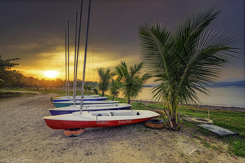 6d canon 1635mm gitzo arca swiss z1 gt2541 lee filter neutral density graduated polarizer landscape seascape subic beach vista marina sailing boat sunrise