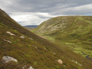 Creag an Dail Bheag and the top of the Gairn | by malky_c