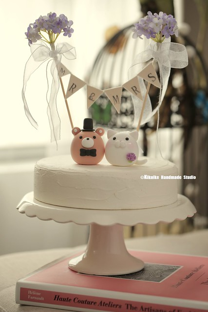 Lovely kitty and Cat and Bear MochiEgg custom wedding cake topper, wedding ideas, planning, ceremony decoration and cake decor ideas