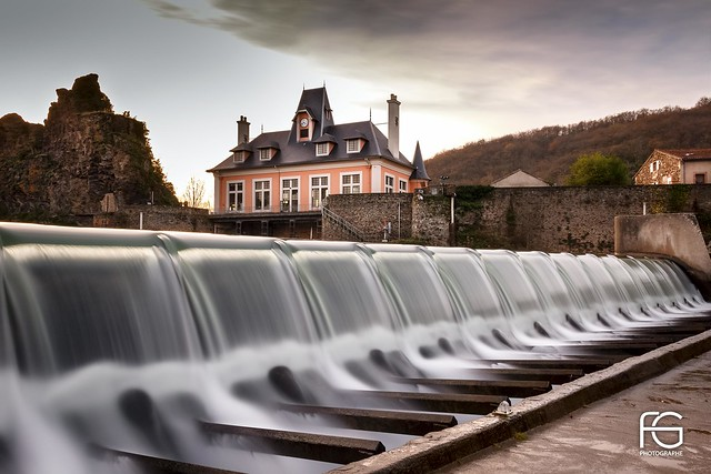 Electric waterfall