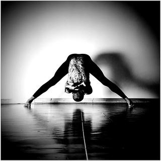 prasarita padottanasana c ashtanga vinyasa yoga prasa
