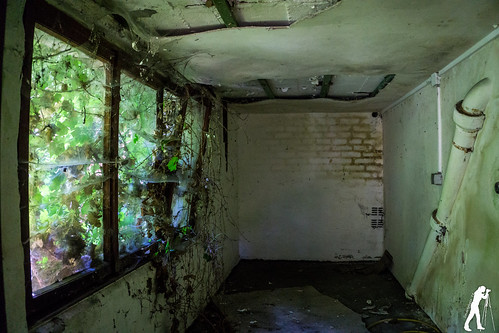 Lost Places: Lost Home | by smartphoto78