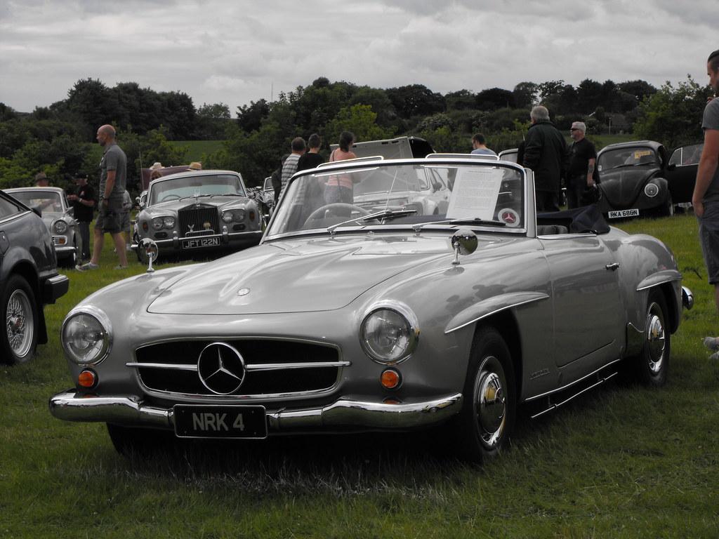 Mercedes-Benz 190L -  NRK 4
