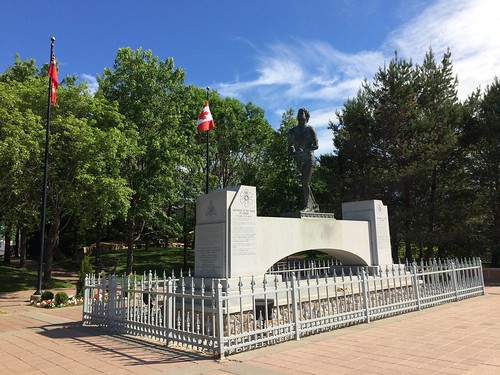 Terry Fox Memorial in Thunder Bay | by Pierre Yeremian