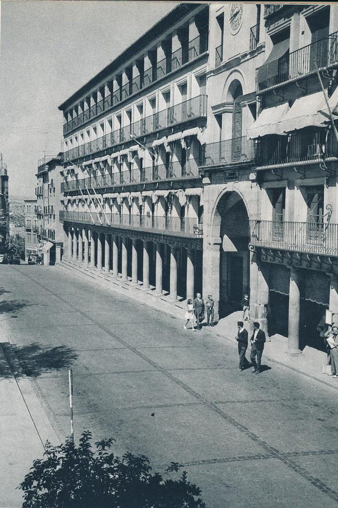 Plaza de Zocodover en Toledo hacia 1967 por Marc Flament.