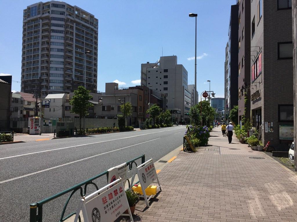 根津駅_3