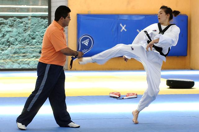 María Espinoza asegura bronce y avanza a semifinales en Mundial de Taekwondo