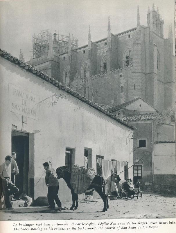 Panadería de San Martín, con San Juan de los Reyes al fondo. Libro de Víctor Crastre. Foto de Robert Julia