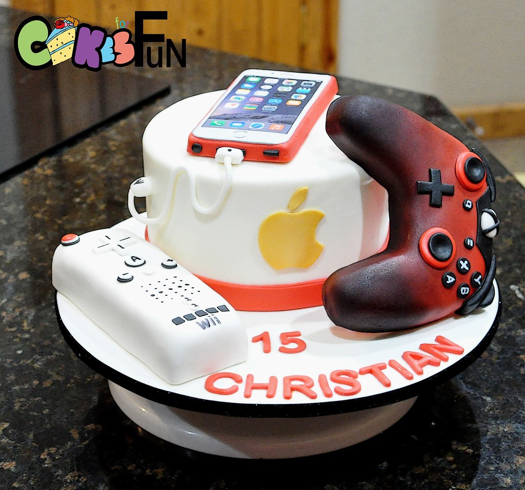 Wondrous Gamer Cake All Decorations Are Edible Bsheridan1959 Flickr Funny Birthday Cards Online Alyptdamsfinfo