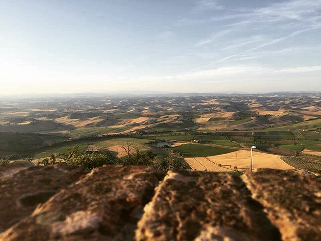 From #montalcino with love 😍  #like #follow #medioeval #borghetto #tuscany #italy #discover #travel #enjoy #borgo 👍