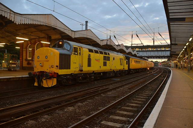 Network Rail Loco 97302 at the front of the Track Measuring Train draws into Ipswich, with 37175 on the rear, working from Cambridge to March, via East Anglia. 23 06 2017