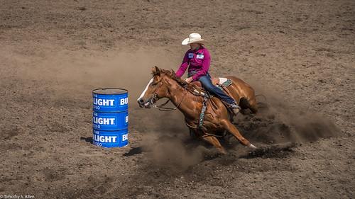 2017 calfiornia duncanmills horses riders rodeo barrel racing dirt saddle cowgirls hat arena