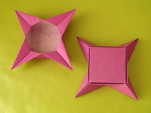 Scatola a stella 2, fronte e retro – Star box 2, front and back