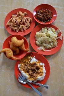 Hainanese curry rice @ Scissor Cut   by J2Kfm