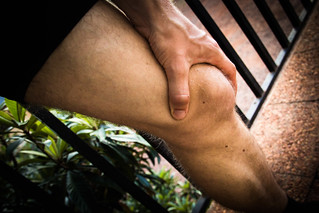 Knieschmerzen knee pain | by strok_nine