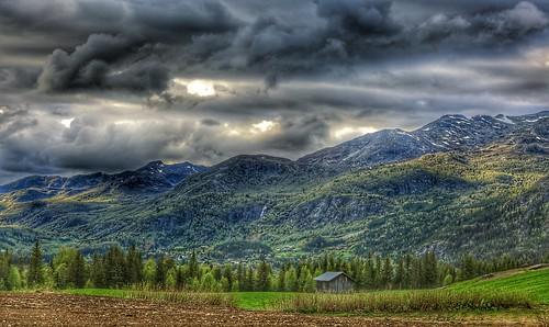 best shot hemsedal clouds rain cabin green grass mountains hills landscape beautifull