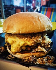 Matuto!  #burger #weekend #Beef  #delicious  #beefpatty #Saturday #Saturdaymood #photography #instafood #photooftheday #pornfood #food #recife #pernambuco #brazil #explore #urban #discover  #neighbourhood #vsco #vscobrasil #vscocam  #MôVeiFoodTruck #MôVei
