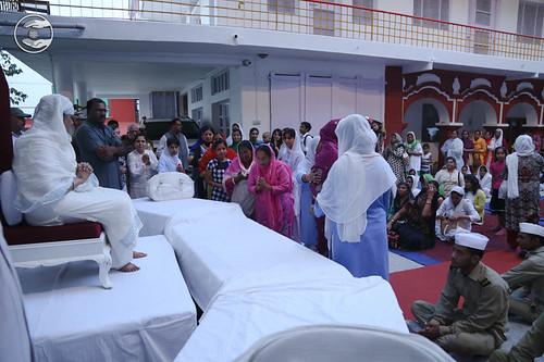 Devotees seeking blessings: June 05