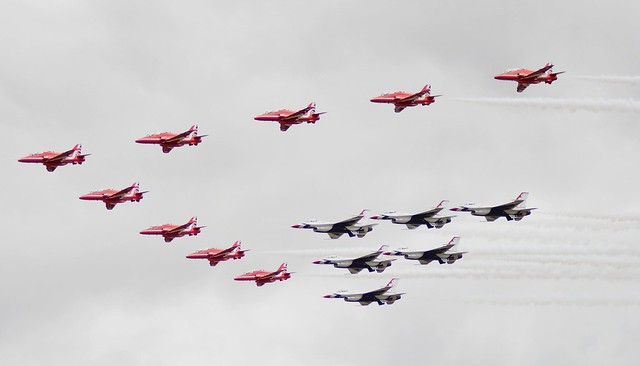 RAF RED ARROWS AND USAF THUNDERBIRDS