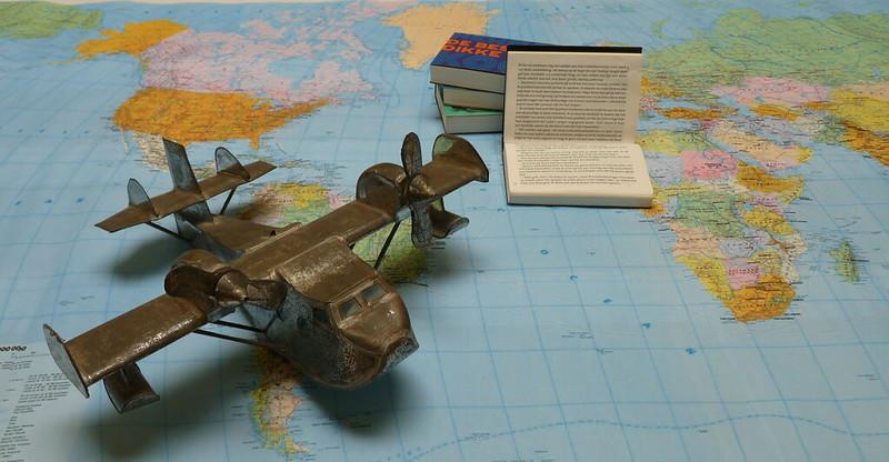 dwarsliggers-wereldkaart-vliegtuig-vintage-close-up-RECHTHOEK