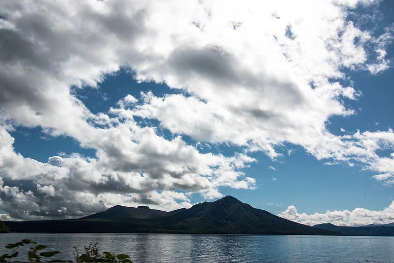 支笏湖から樽前山