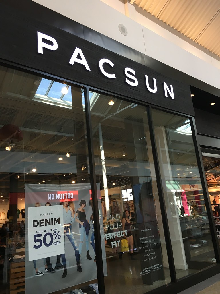 d06cc86e7cd9b PacSun - Westfield Galleria at Roseville | alecm9311 | Flickr