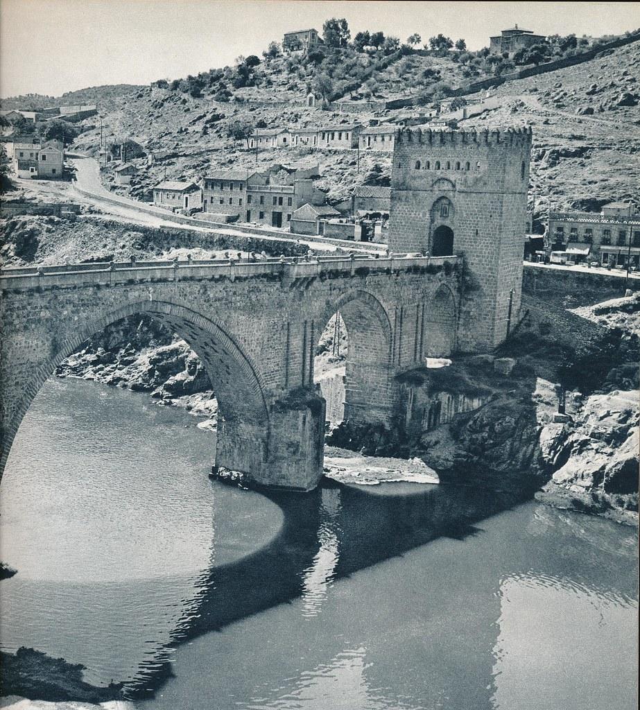 Puente de San Martín de Toledo hacia 1967 por Marc Flament.