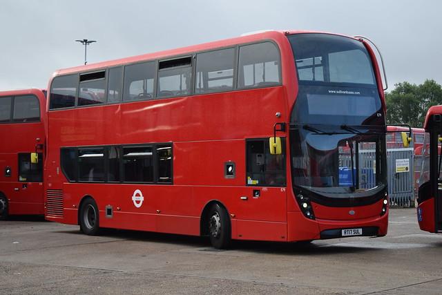 Sullivan Buses E79 RT17SUL