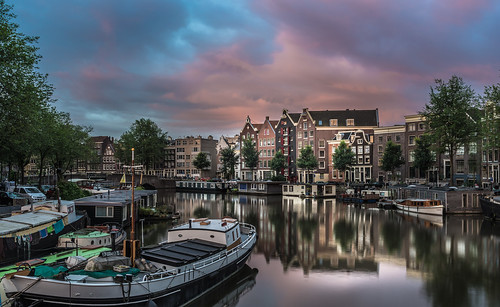 kromme waal amsterdam sunrise reflections architecture boats canals