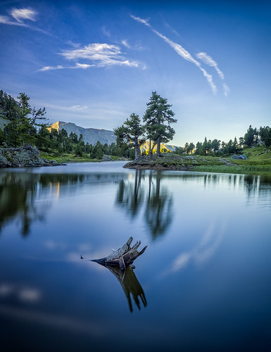 clouds lacachard circle cycle lake log mountain mountains reflections chamrousse auvergnerhônealpes france fra