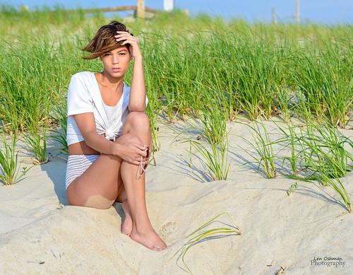 model woman portrait girl beach sunrise newjersey nikon d4s 85mm14 summer morning