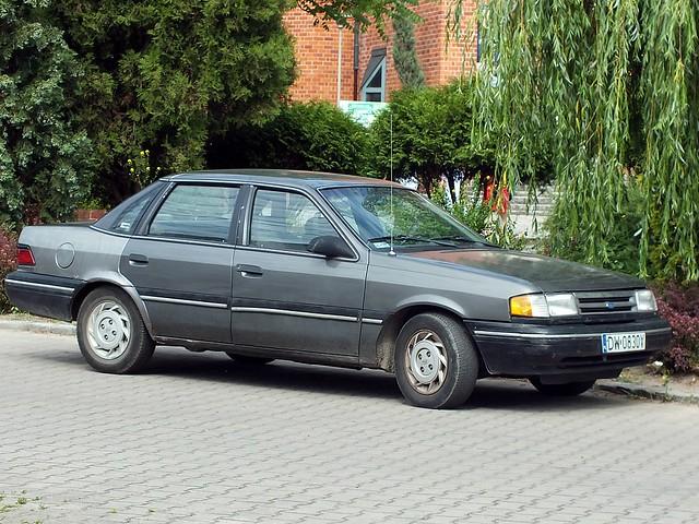 1992–94 Ford Tempo GL Sedan (P36)