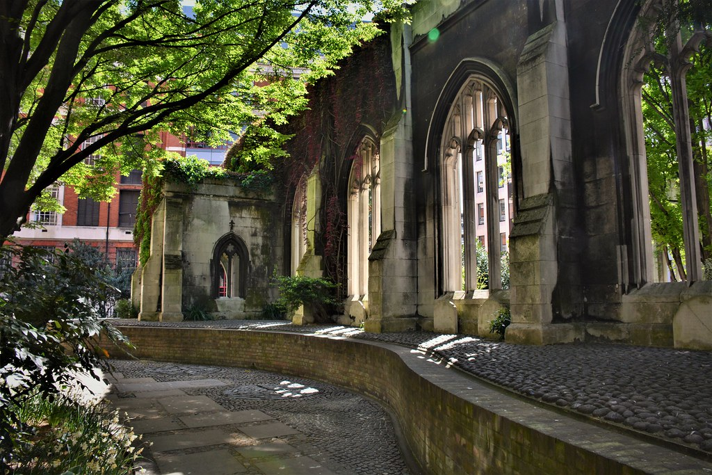 A lovely place | St. Dunstan-in-the-East (London).