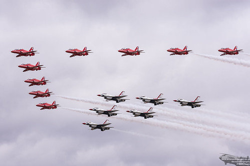 Red Arrows and Thunderbirds Formation | by evansaviography
