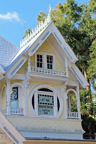 architecture house masoniclodge victorian queenannestyle windows gable gingerbread mountdora florida