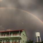 一道彩紅 A Rainbow
