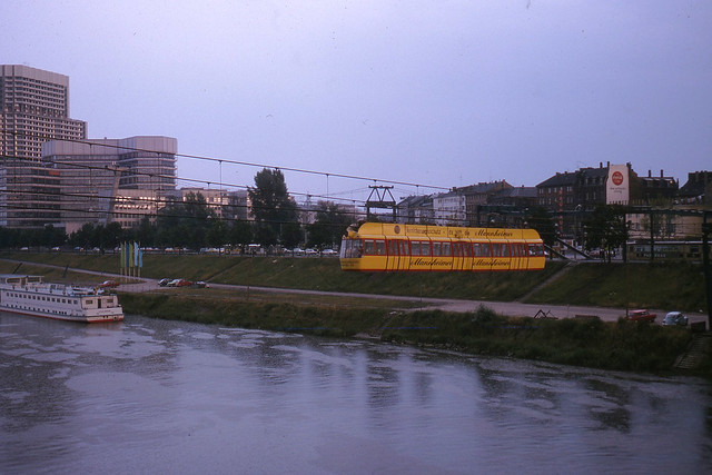 JHM-1975-1549 - Allemagne, Mannheim, Bundesgartenschau, Aérobus