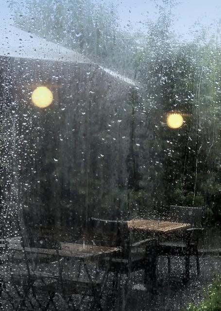 Contemplation d'un jour de pluie, / L'auberge (2) / Entre la pluie et moi