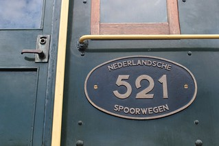 Nederlandsche Spoorwegen   by Marijke van der Waard
