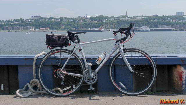 Vélo de route au Port de Québec, Canada - 1423