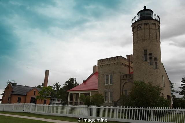 mackinaw point lighthouse & keepers quarters