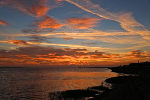 sunrise sunlight dawn crackofdawn goldenhour 5dmk3 24105mm canon orangeskies bluesky shoreline bartonuponhumber waterscape estuary humber humberside