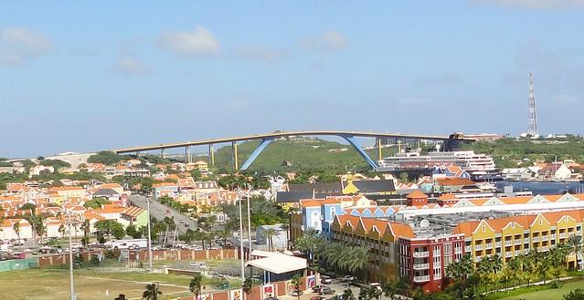 Curaçao - Queen Juliana Bridge