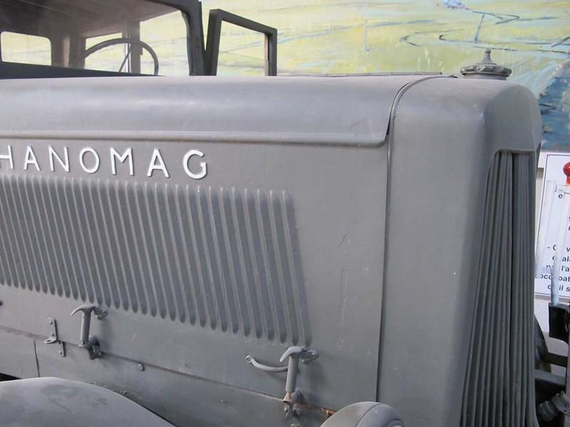 Hanomag ST-100 5
