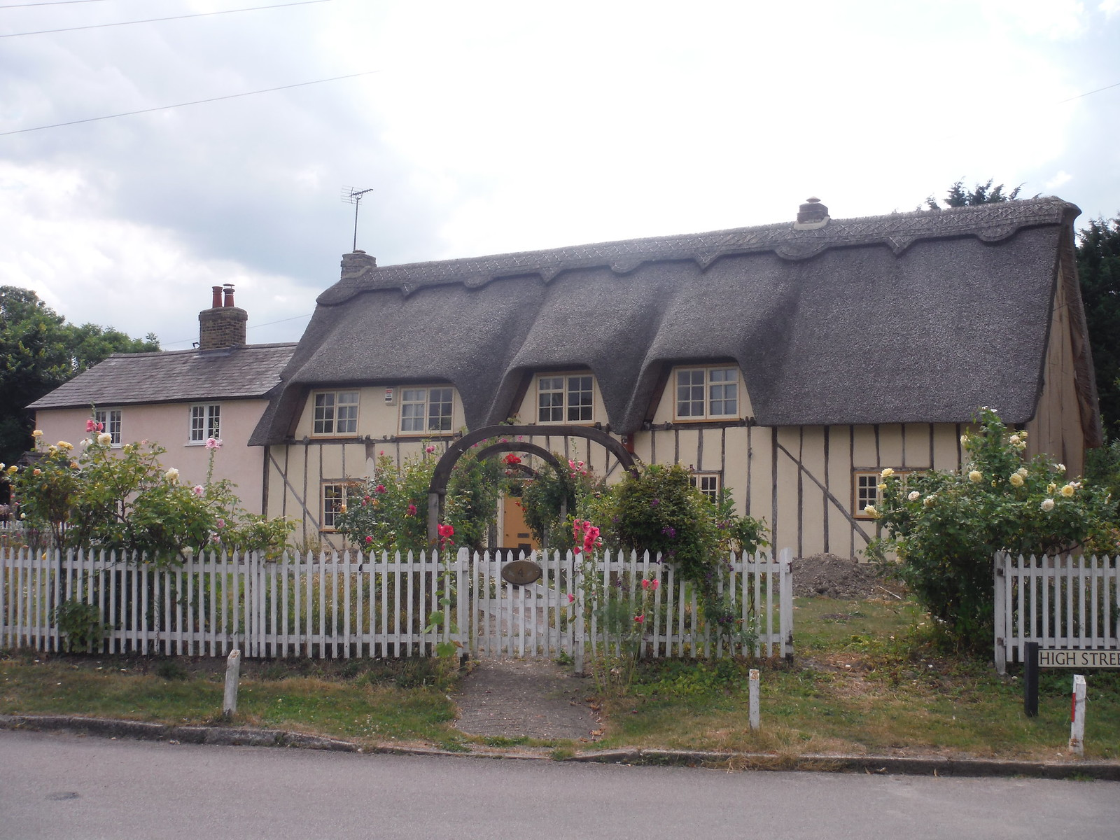 Thatched House, Pirton SWC Walk 233 - Arlesey to Letchworth Garden City