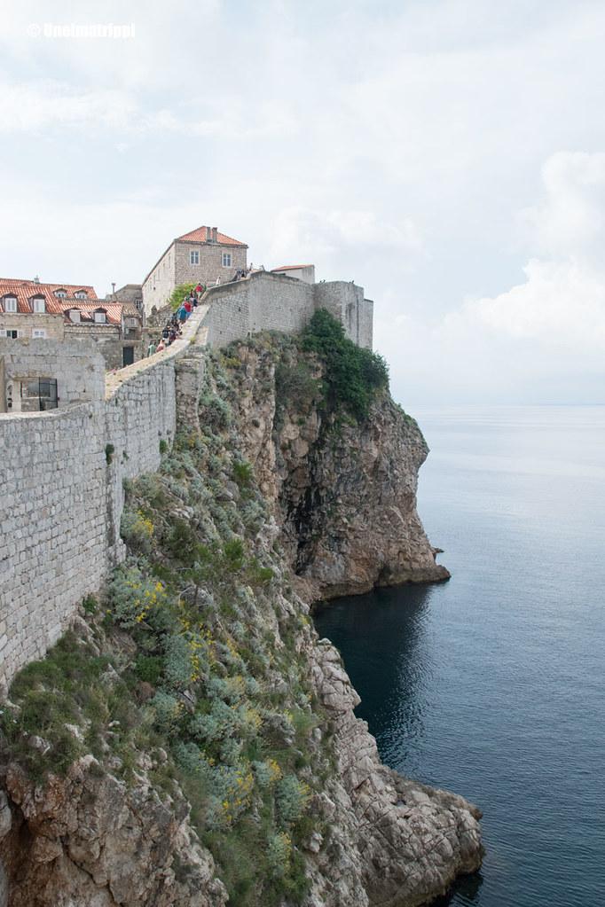Dubrovnikin kaupunginmuuria ja merta
